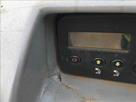2011 JLG 20MVL-EXT Scissor Lift