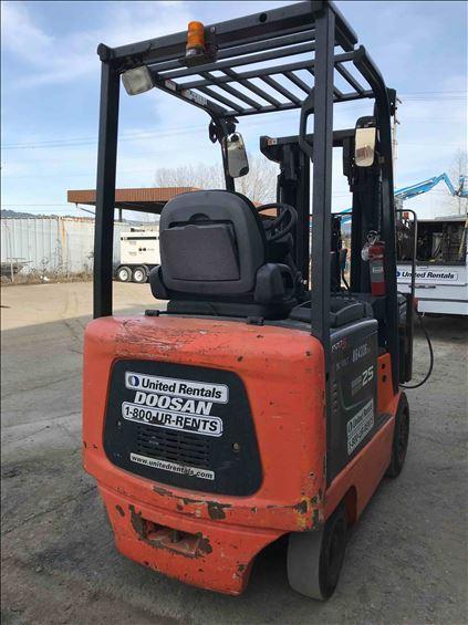 2011 Doosan BC25S5 Warehouse Forklift