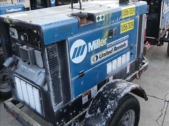 2017 Miller Big Blue 300R Welder