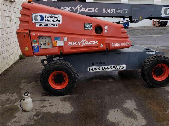 2013 Skyjack SJ45T Boom Lift