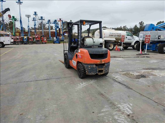 2012 Toyota 8FGU30 Warehouse Forklift