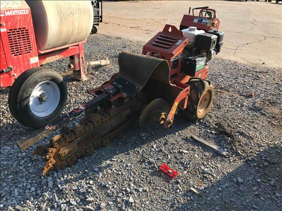 2015 Ditch Witch RT12-11 Trencher