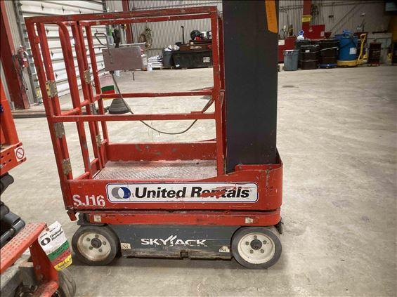 2014 Skyjack SJ16 Scissor Lift
