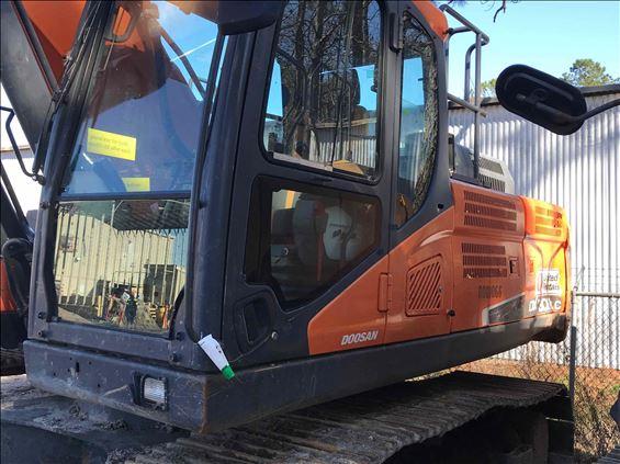 2015 Doosan DX300LC-5 Excavator