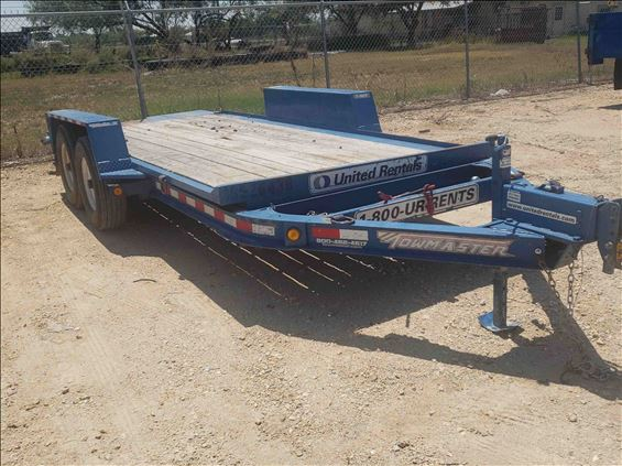 2016 Towmaster T-9DT Trailer