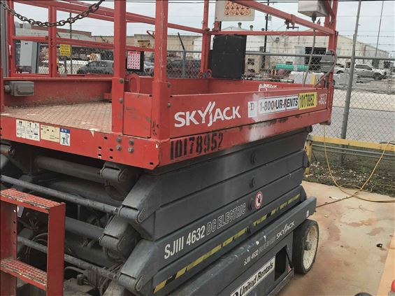 2013 Skyjack SJIII4632 Scissor Lift