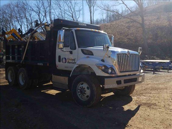 2015 INTERNAT'L 7400SBA6X4 DUMP Dump Truck