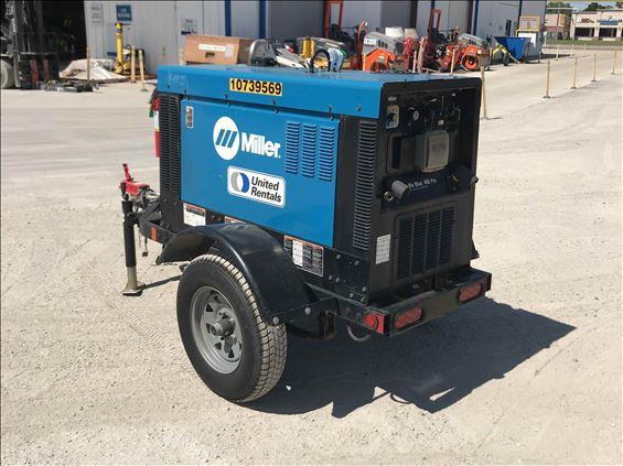 2018 Miller BIG BLUE 400PRO Welder