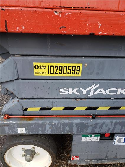 2014 Skyjack SJIII3226 Scissor Lift