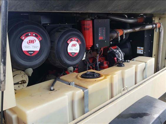 2012 Doosan XP375WCU Air Compressor