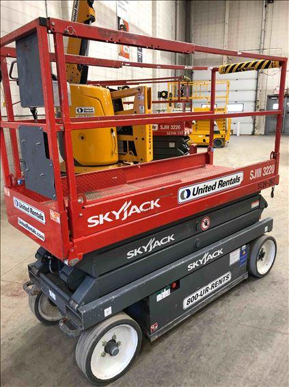2014 Skyjack SJIII3220 Scissor Lift
