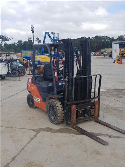 2013 Toyota 8FGU25 Warehouse Forklift