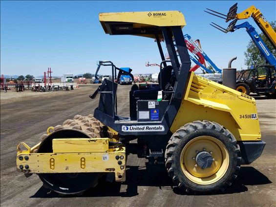2016 BOMAG BW124PDH-40 Ride-On Roller