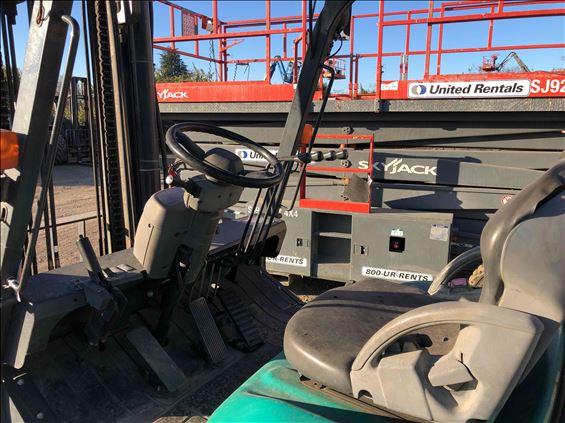 2012 Komatsu FD70-10 Warehouse Forklift
