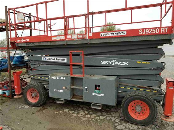 2007 Skyjack SJ9250RT Scissor Lift
