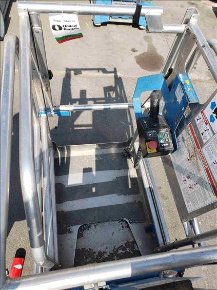 2012 Genie GR-20-EXT Scissor Lift