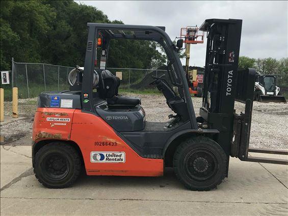 2014 Toyota 8FG35U Warehouse Forklift