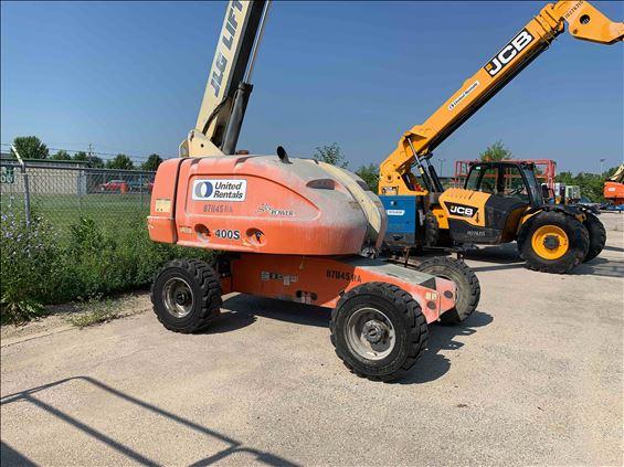 2011 JLG 400S Boom Lift