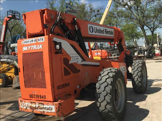 2014 SKYTRAK 8042 Rough Terrain Forklift